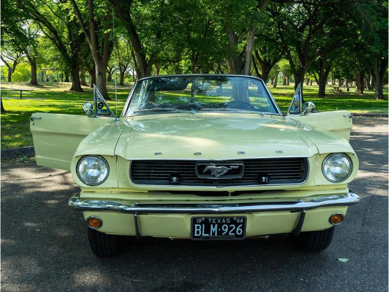1966 Ford Mustang for Sale Image 9